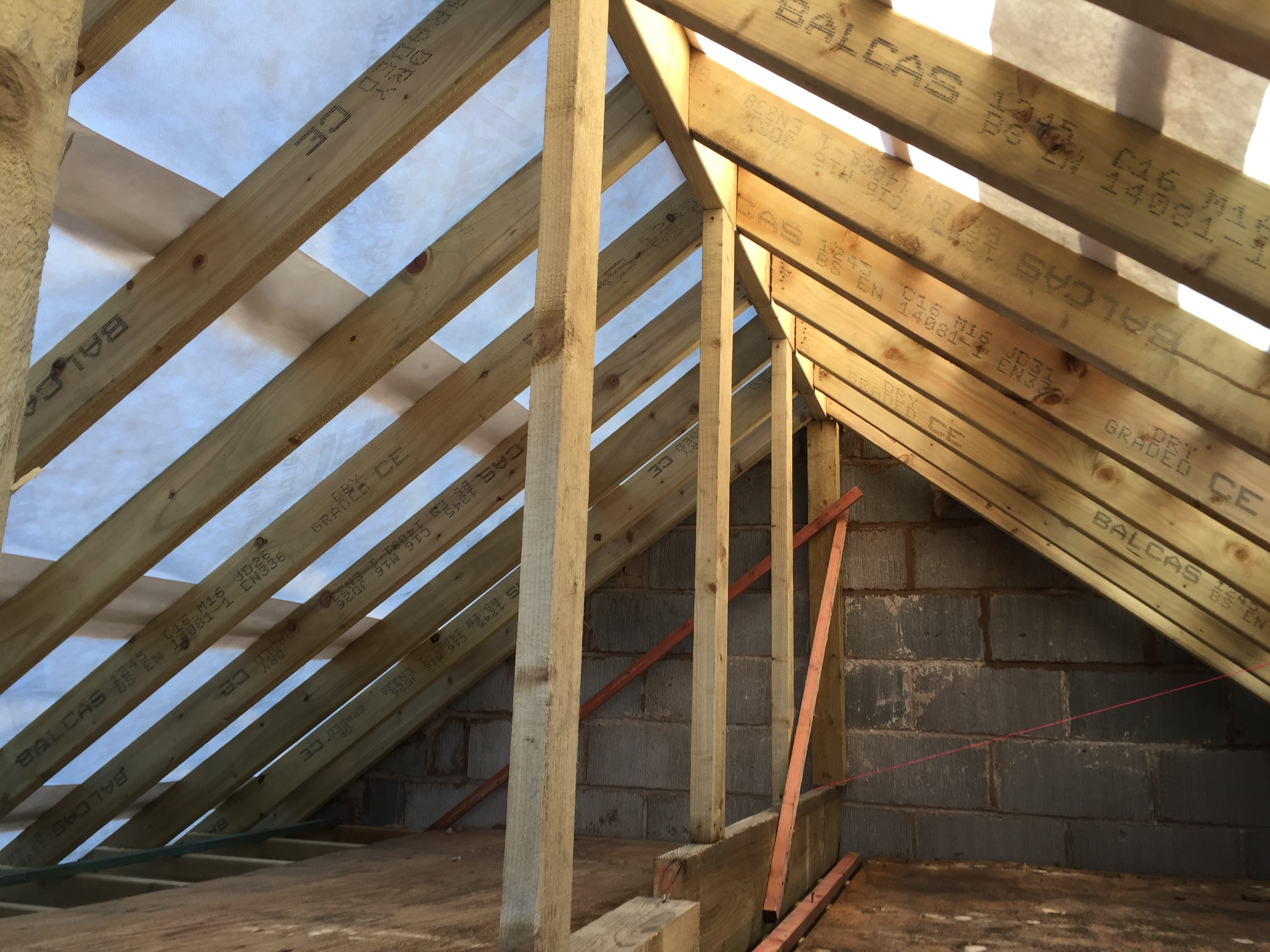 Traditional Roof And Tiling Kad Build Construction